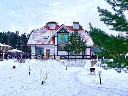 Коттедж 250 м² на участке 30 сот. в аренду посуточно на берегу Волочаевского озера