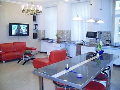 Бронировать квартиру посуточно — подготовка к командировке или деловому визиту в СПб