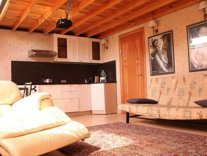 Двухуровневая двухкомнатная квартира посуточно недорого в СПб на Гангутской 2