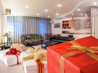 Компания Hi-Tech Home поздравляет Вас с Новым годом!