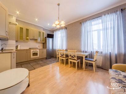 Трехкомнатная квартира посуточно с панорамным видом на Фонтанке 50