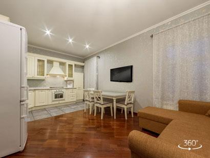 Квартира в аренду посуточно в центре Санкт-Петербурга на Невском 168