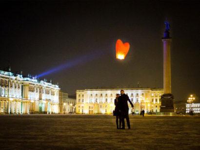 Проведите один из самых романтичных праздников — день святого Валентина в восхитительном Петербурге!