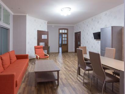 Четырехкомнатная квартира посуточно в Санкт-Петербурге на Фонтанке 165