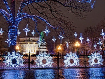 New year holidays in festive St. Petersburg is a great idea!