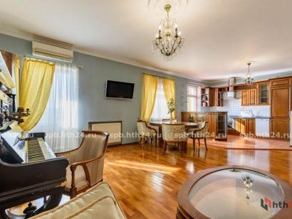 hth24 Apartments is a new apartment in the center overlooking the rooftops of St. Petersburg