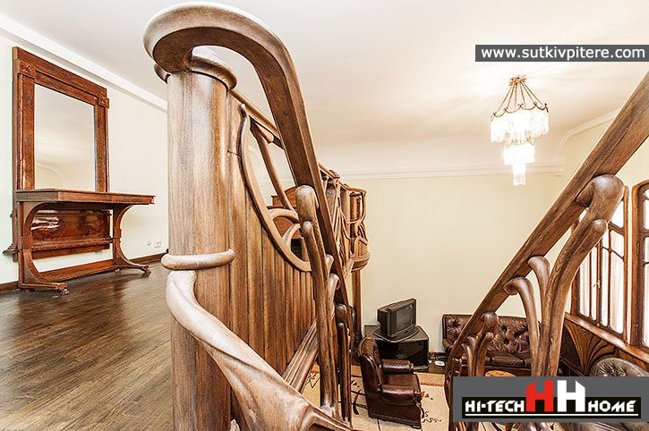 Exclusive apartment for rent in Saint-Petersburg at Puskinskaya str. 13