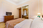 One-bedroom apartments for rent in the center of St. Petersburg on Italianskaya Street