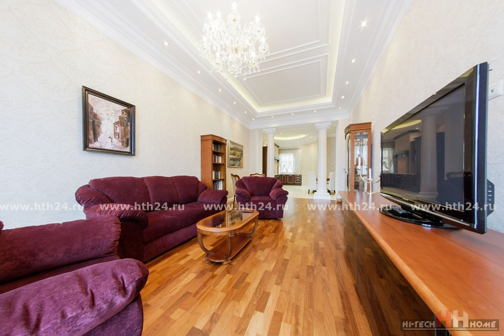 Elite apartment for rent per day in St.Petersburg at Mokhovaya str. 4