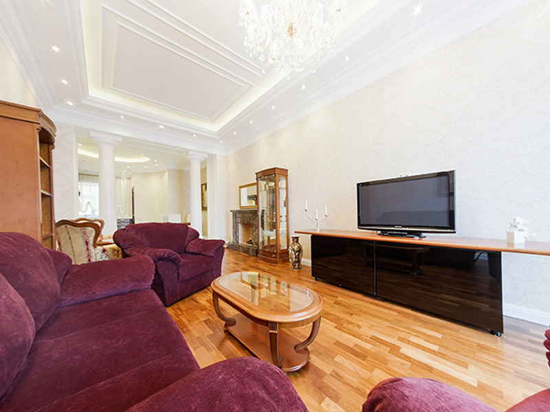 Смотреть 3d тур - Elite apartment for rent per day in St.Petersburg at Mokhovaya str. 4