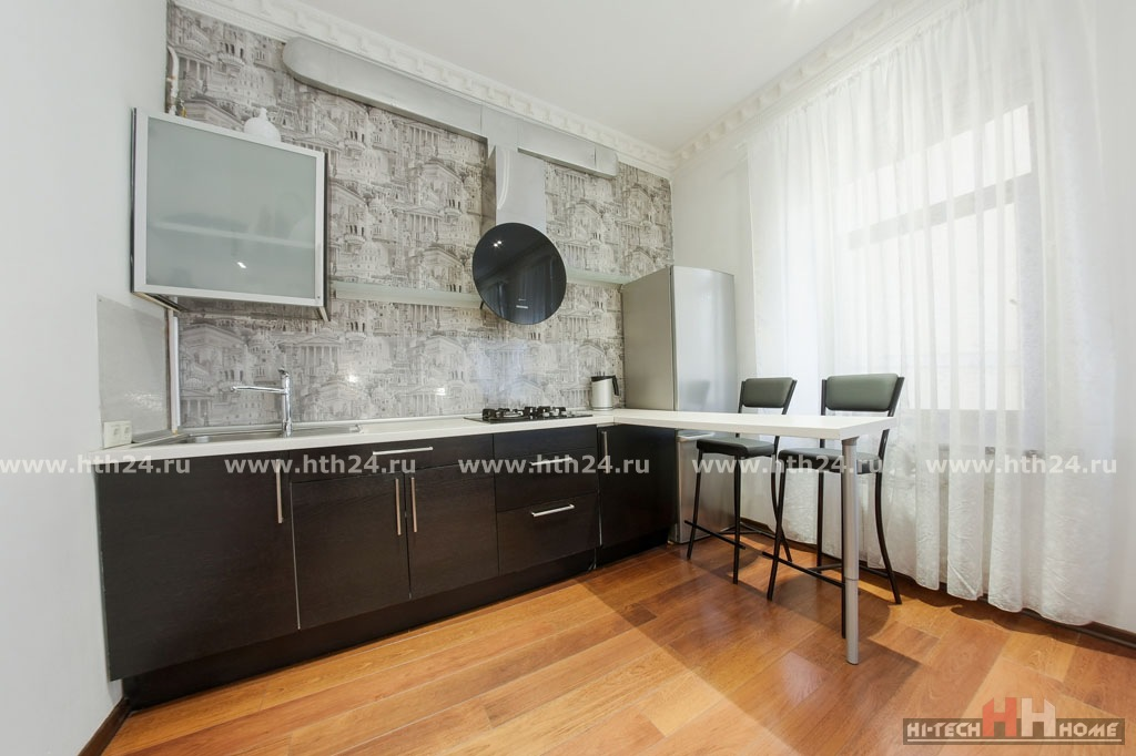 Two-roomed apartments for rent by day on Nevskiy Prospect 119