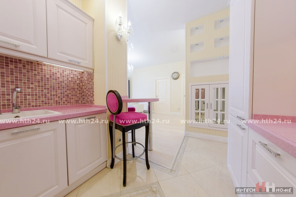 Elite apartment for rent in St.Petersburg at Paradnaya str. 3