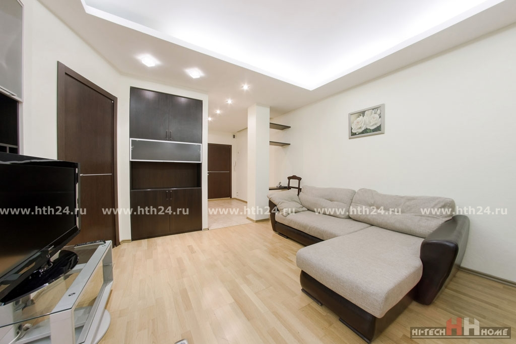 Two roomed apartment in the center of Saint-Petersburg at Pushkinskaya 8