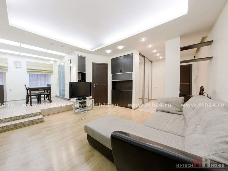 Смотреть 3d тур - Two roomed apartment in the center of Saint-Petersburg at Pushkinskaya 8