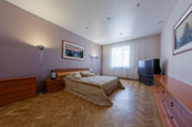 Three room VIP apartments in SPb on Italyanskaya 1