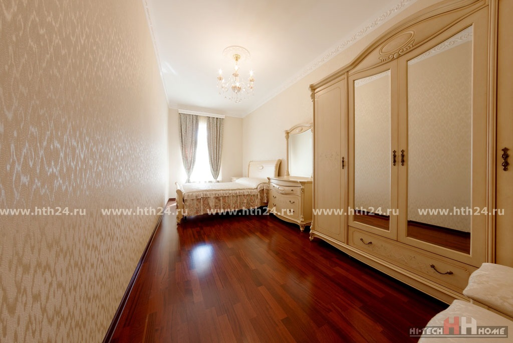VIP apartment for rent in St. Petersburg on Nevsky 79
