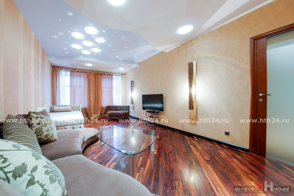 Three room apartment with sauna for rent at Vosstaniya 26