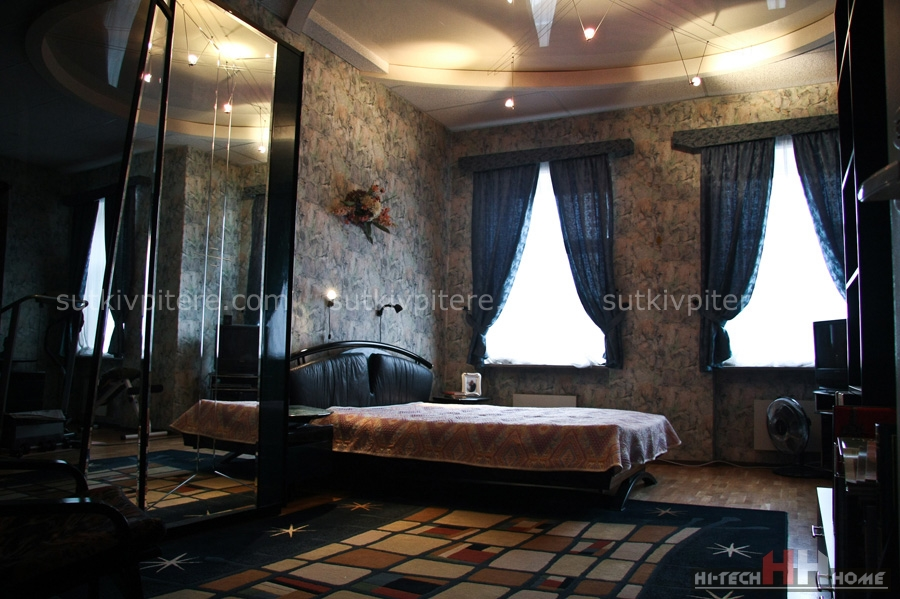 Four room apartment for rent by day on 6th Sovetskaya street