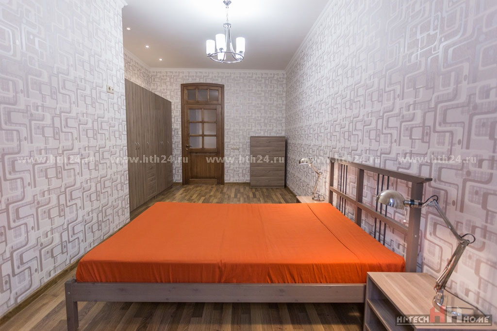 Three bedroom apartment for rent in St. Petersburg on Fontanka 165