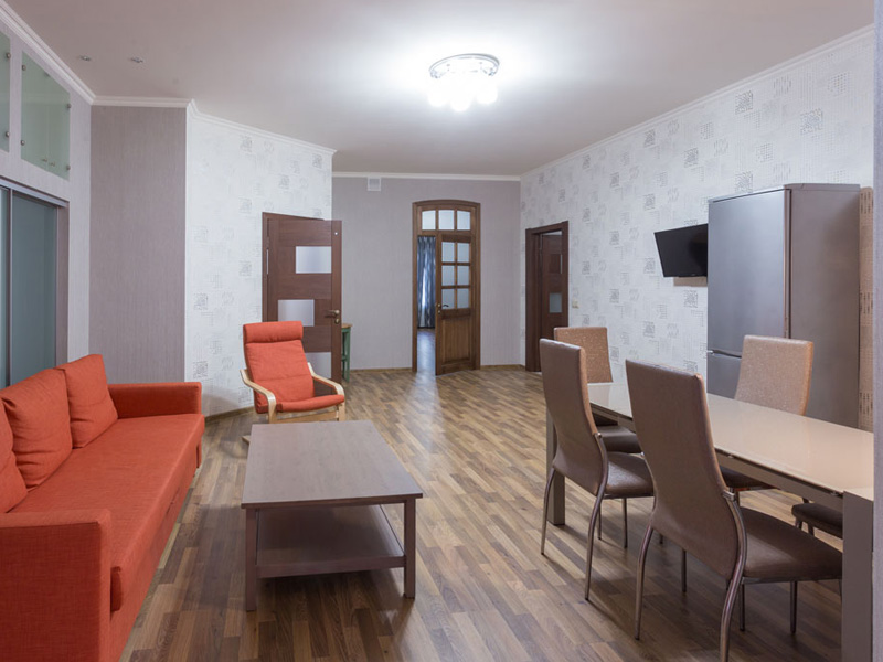 Смотреть 3d тур - Three bedroom apartment for rent in St. Petersburg on Fontanka 165